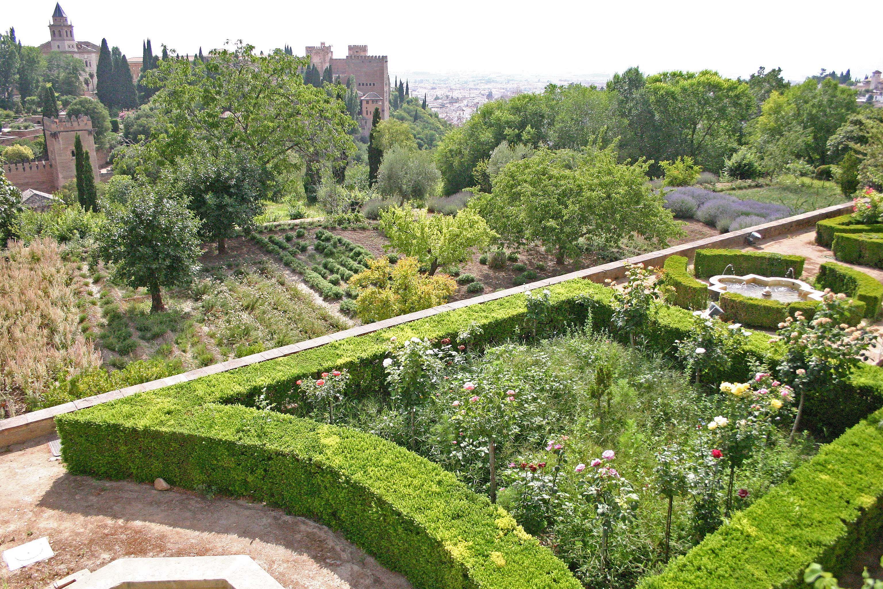 Jardines altos y bajos del generalife alhambra de granada for Jardin de gomerez granada