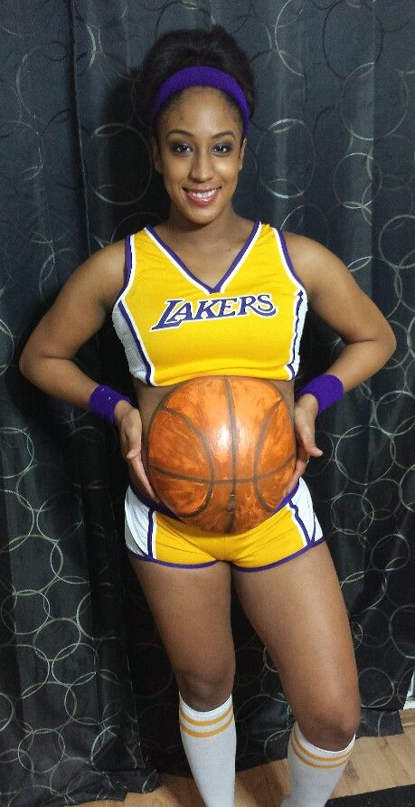 halloween #costume #MaternityHalloweenCostume #pregnancy #lakers - halloween costume ideas for pregnancy