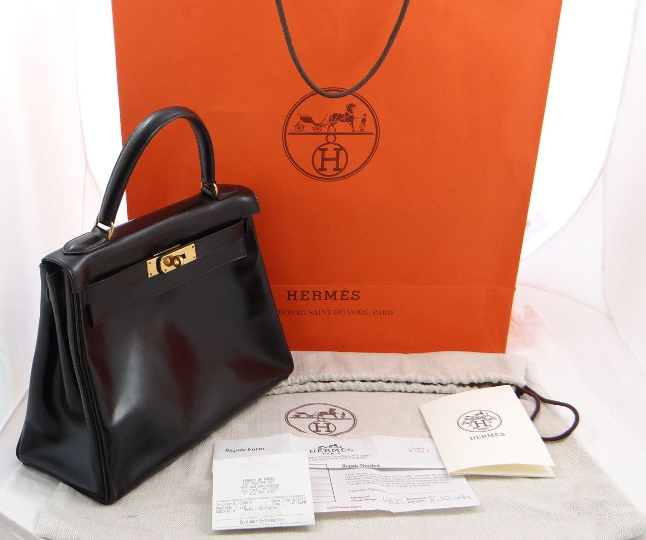 This is a legitimate Hermes Kelly handbag. It includes a duster and an original store bag.