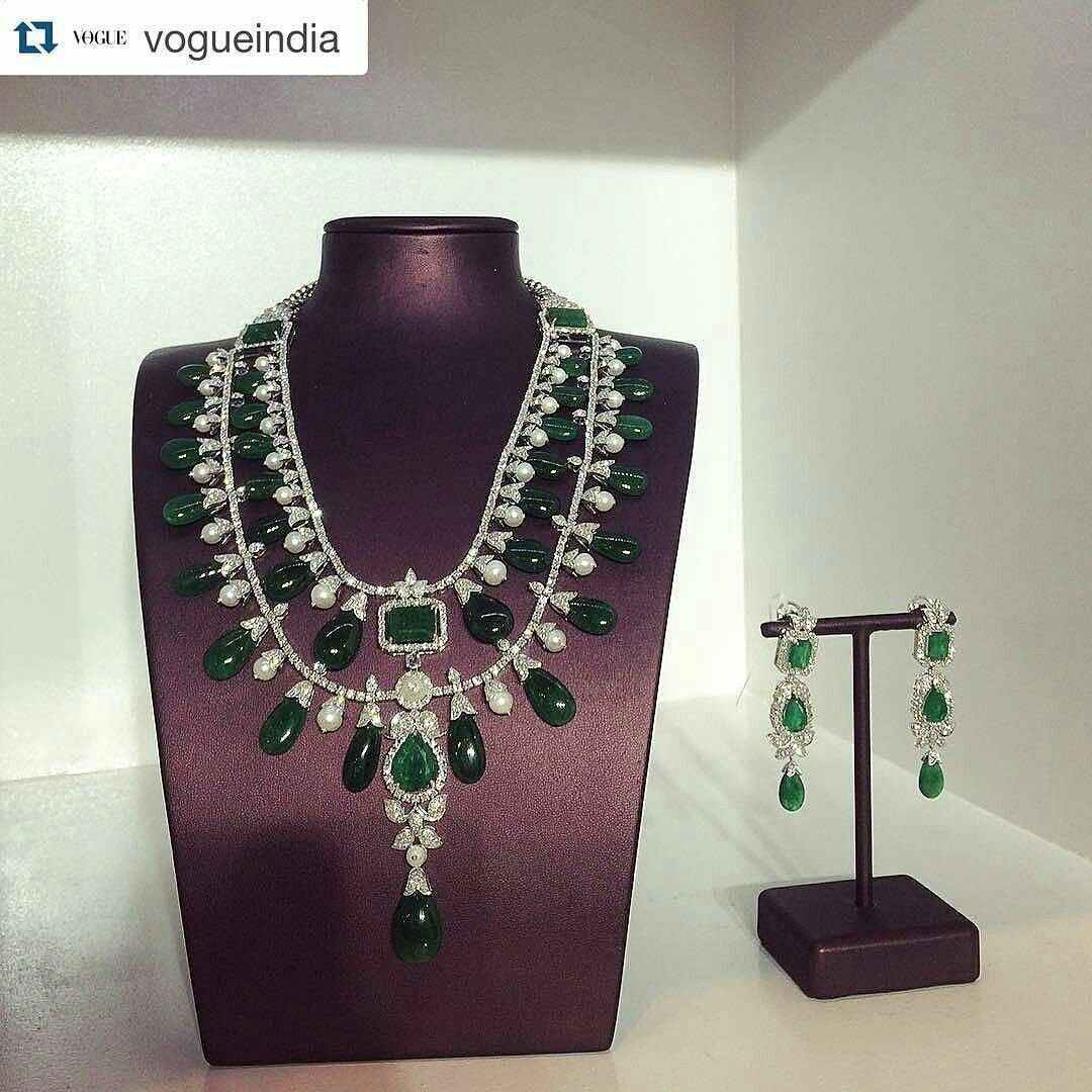 Remalfala from thehouseofrose vogue wedding show necklace
