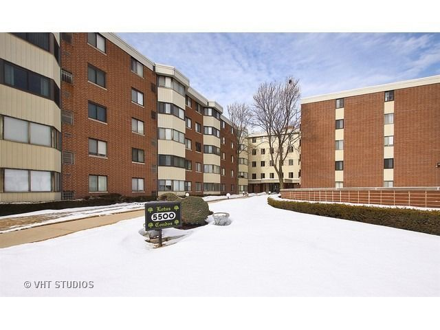 5500 Lincoln Ave Unit 100 W, Morton Grove, IL 60053 #mortongrove Find this home on Realtor.com #mortongrove