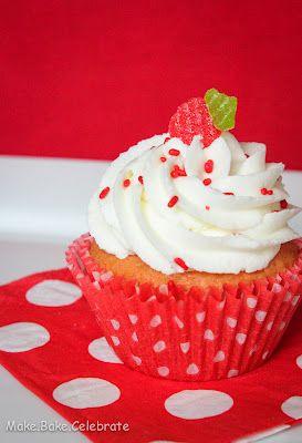 Strawberry Creme Cupcakes
