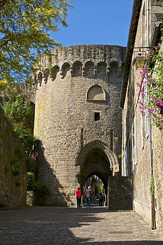 dating in brittany france