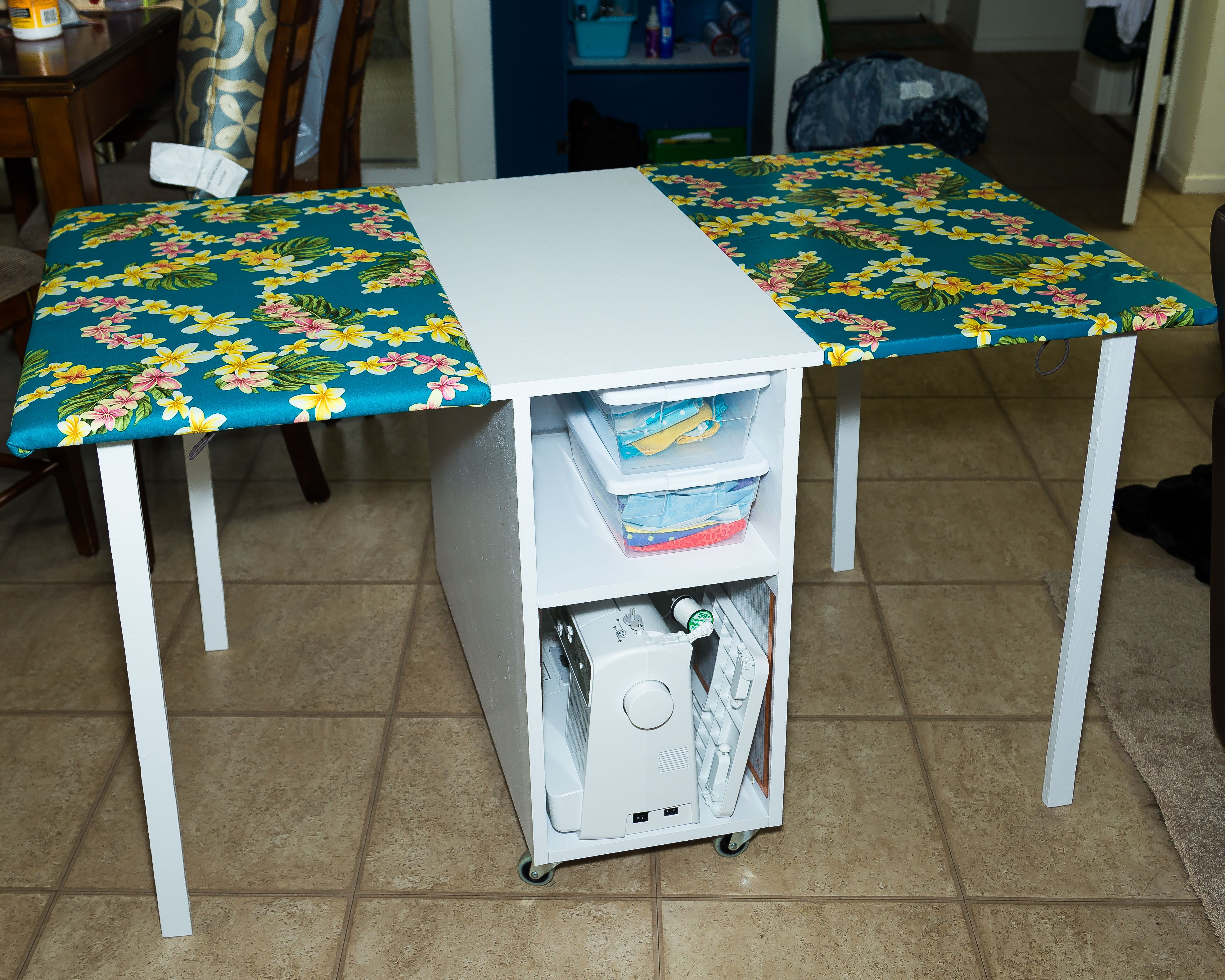 Attrayant The 20 Best DIY Sewing Table Plans [Ranked]   MyMyDIY | Inspiring DIY  Projects