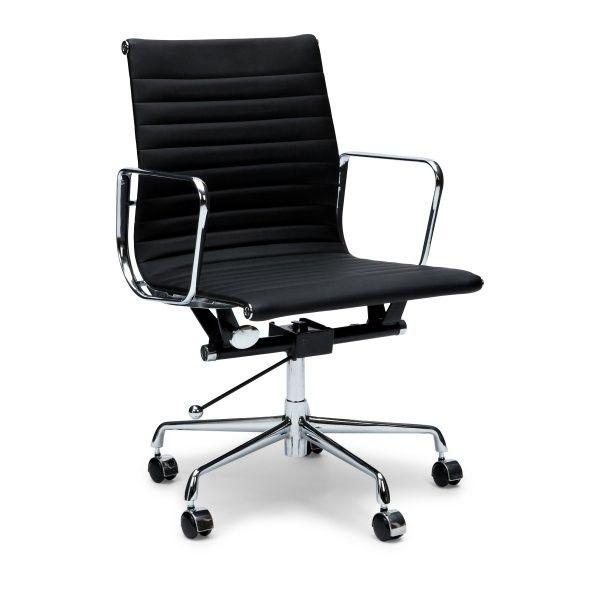 Bureaustoel Charles & Ray Eames EA 117 zwart Aluminium