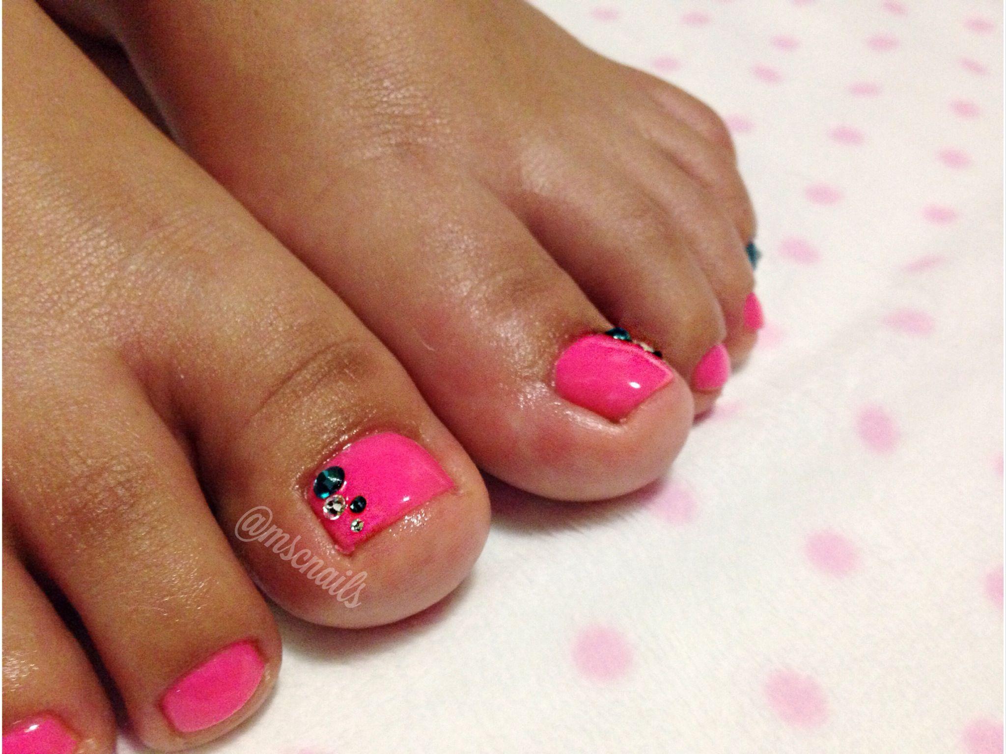 #mscnails #msc #nails #uñas #pedicure #pedicura #swarovski #pink #semilac #diamondcosmetics #summer #beauty #fashion