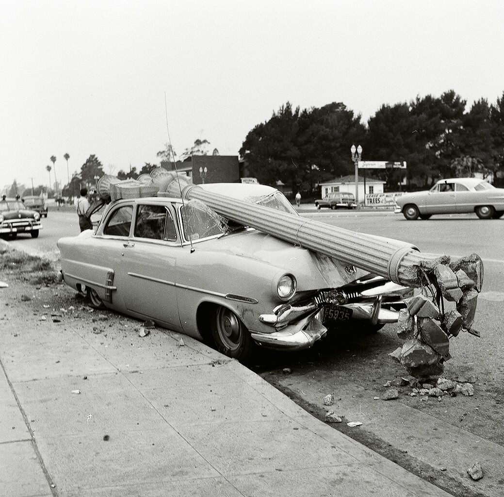 Shorpy Historical Photo Archive :: Ford meets lamppost in ...