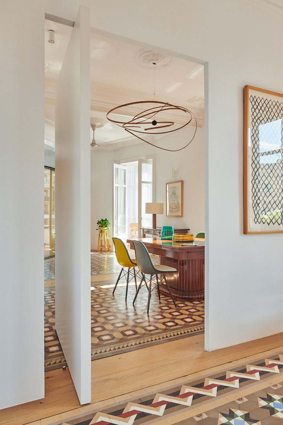Built Architecture recently renovated this 19th-century Barcelona apartment in the historic Eixample district. (via Gau Paris)