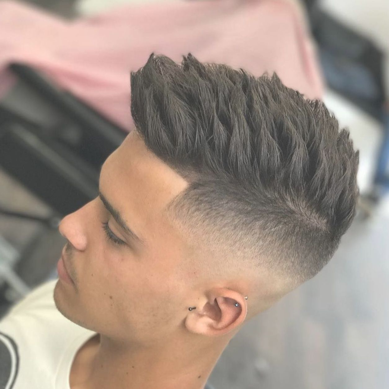 It Is Not Uncommon That Guys Stick With The Same Old Haircut And Hairstyle For Years Why Is That Wi Cool Short Hairstyles Hairstyles Haircuts Cool Hairstyles