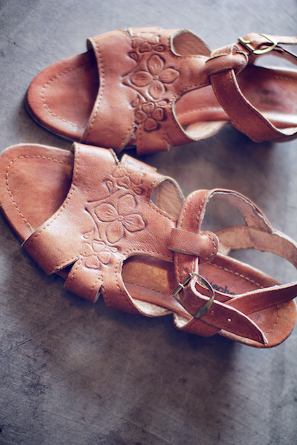 ddc15feae427 Vintage Caramel Sandals