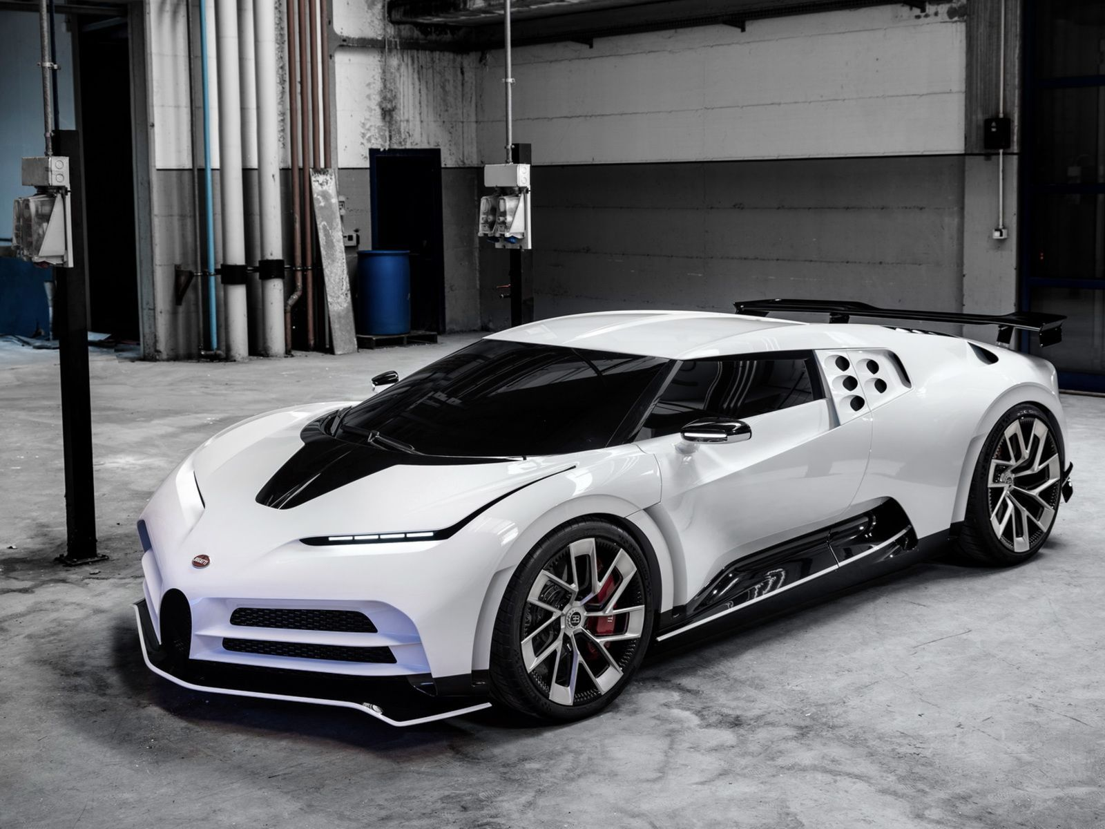 One Hundred And Ten Bugatti To Remember The Eb110 Super Car Bugatti Bugatti Super Cars