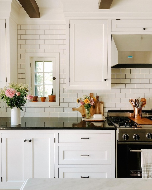 (12) Tumblr (With images) | Small galley kitchens, Kitchen ...