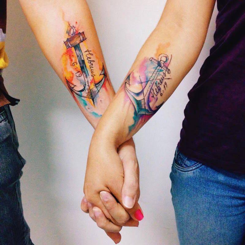 Tatouage Couple Couleur Ancres Aquarelle Avant Bras