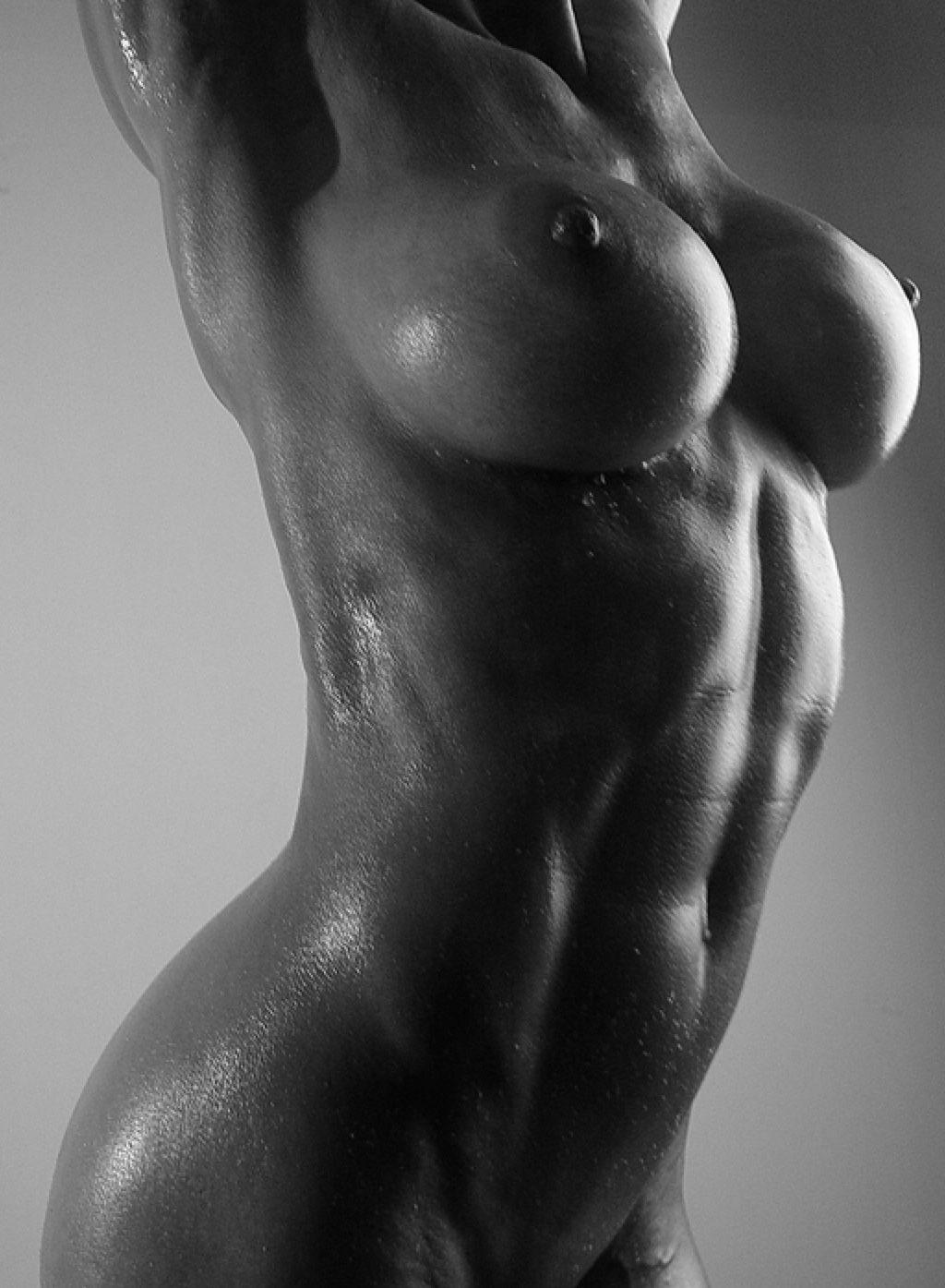 Блузку голые фитнес попки