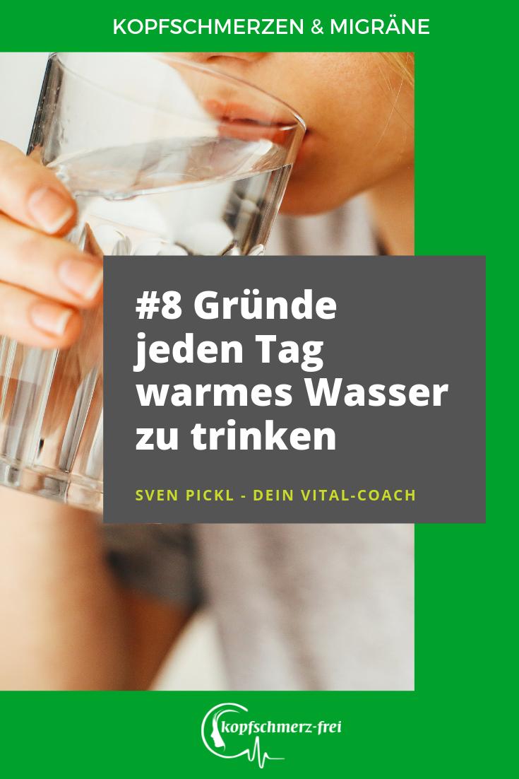 hand in warmes wasser