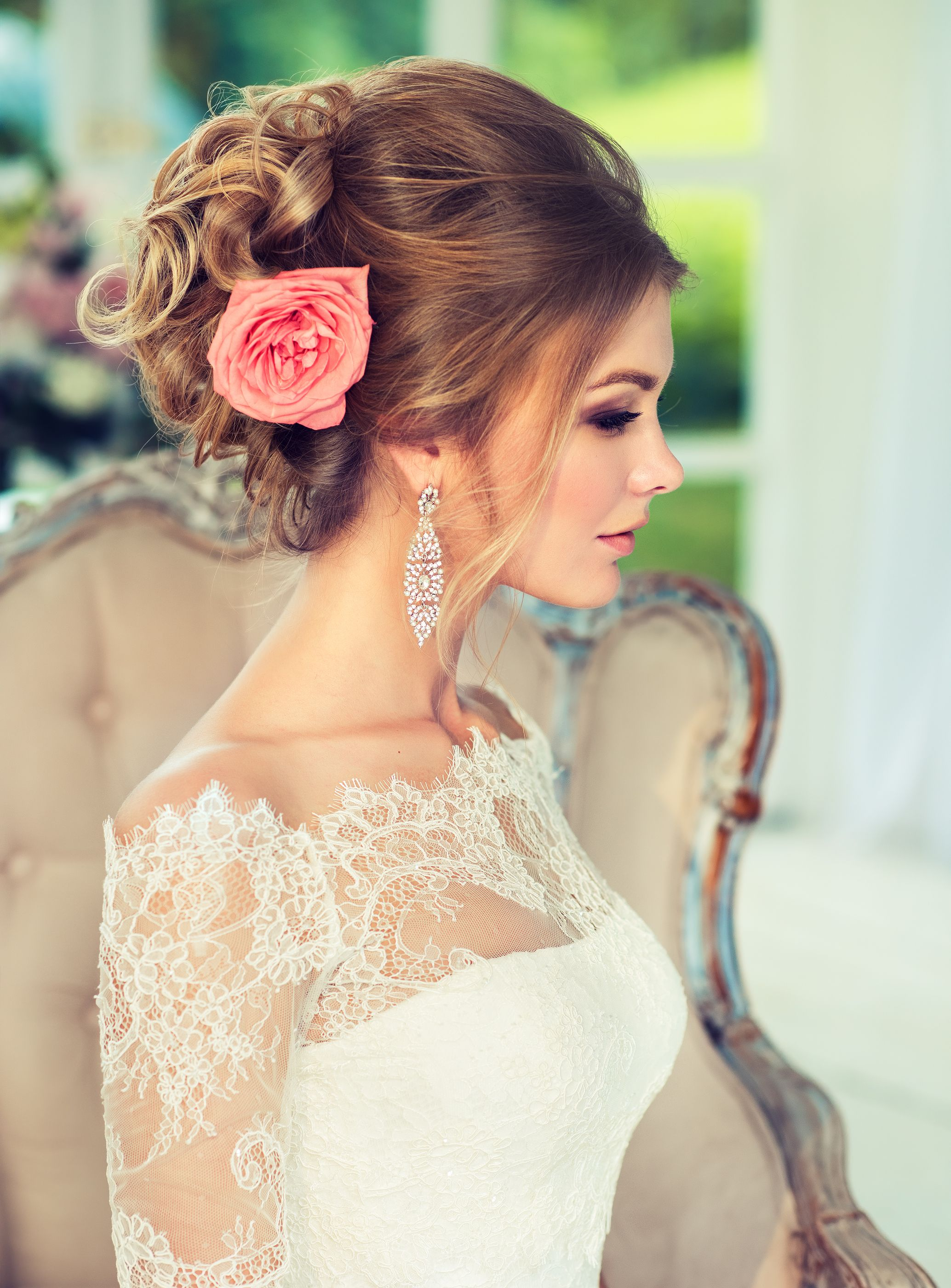 elegant wedding hairstyle for classy brides. perfect for a