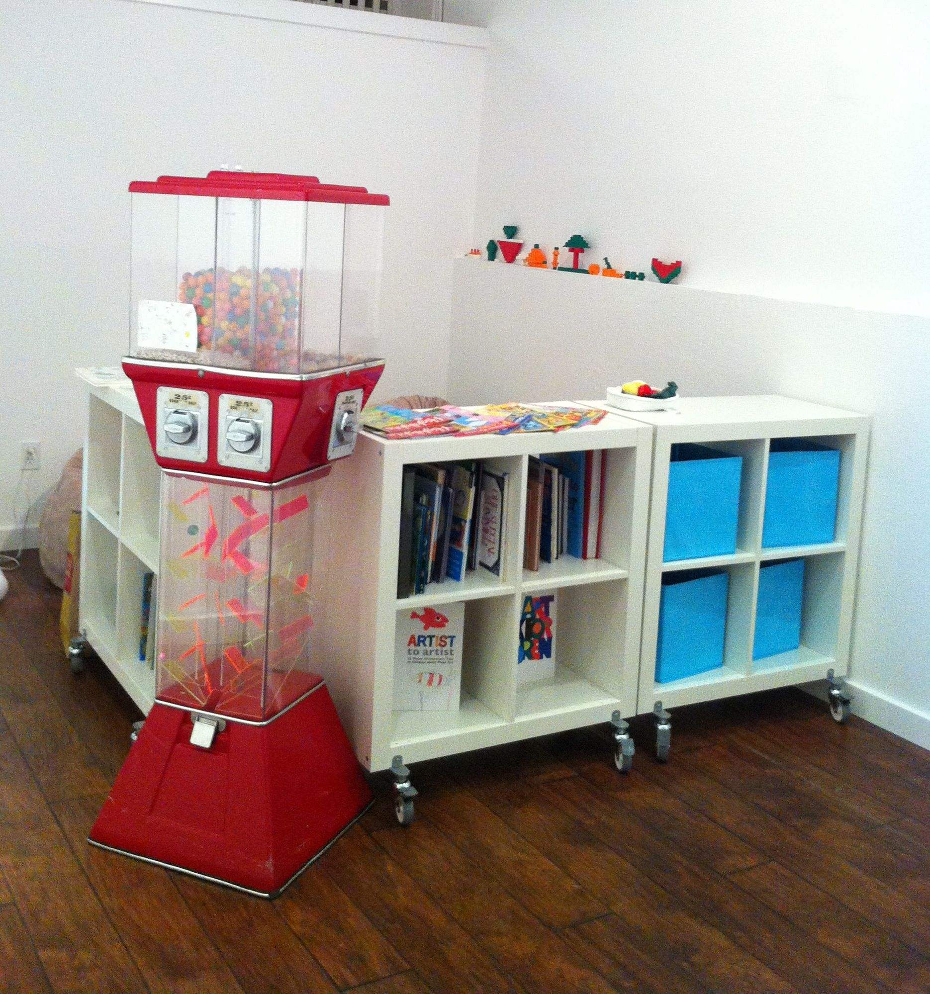 Claire's Book Nook for kids, free books.