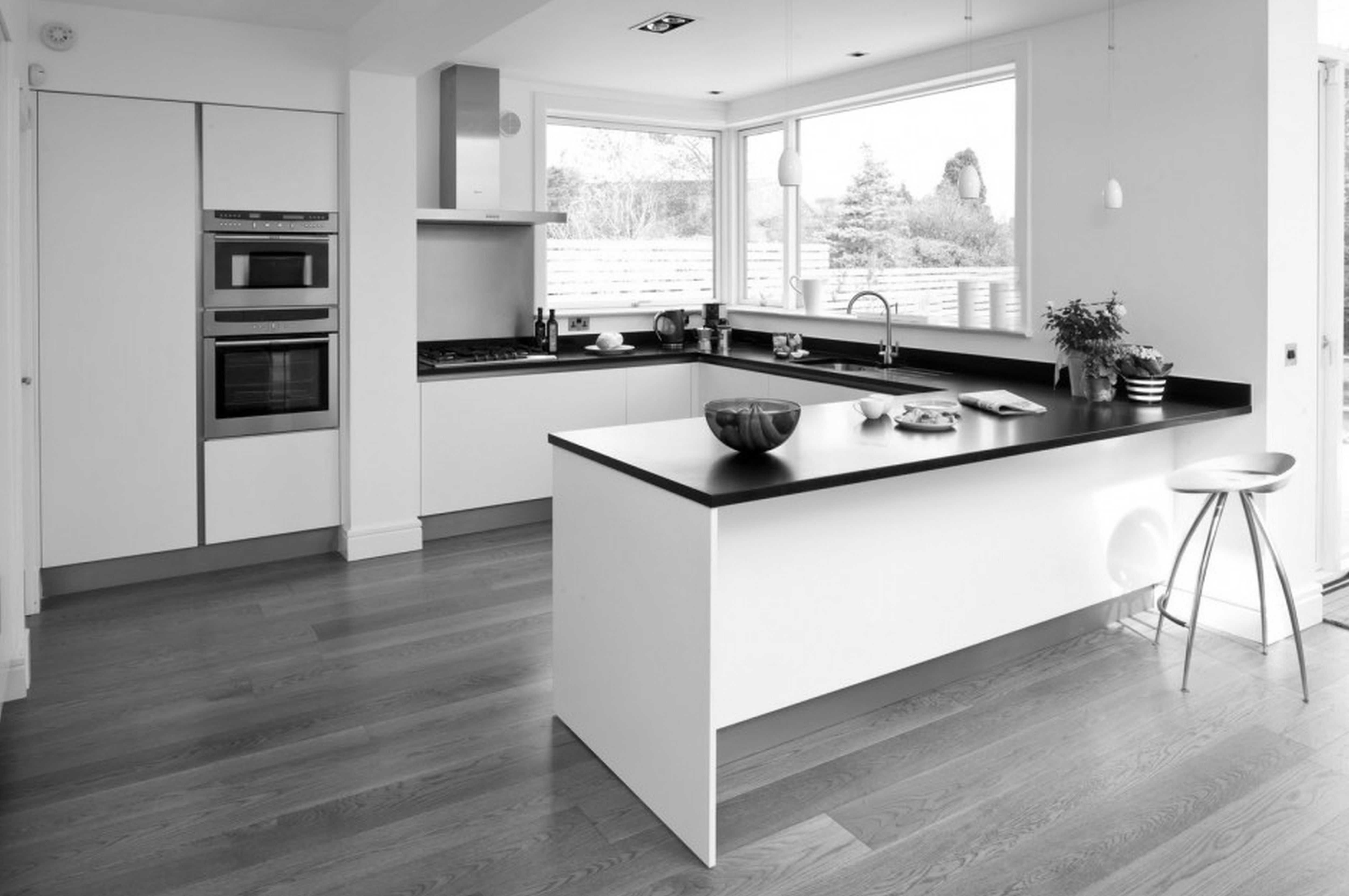 Download Wallpaper White Kitchen Grey Hardwood Floors