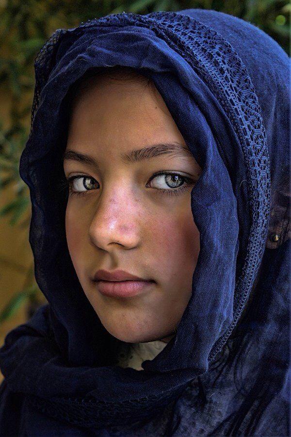 Afghan girl | Afghan girl, Beautiful eyes, Afghan