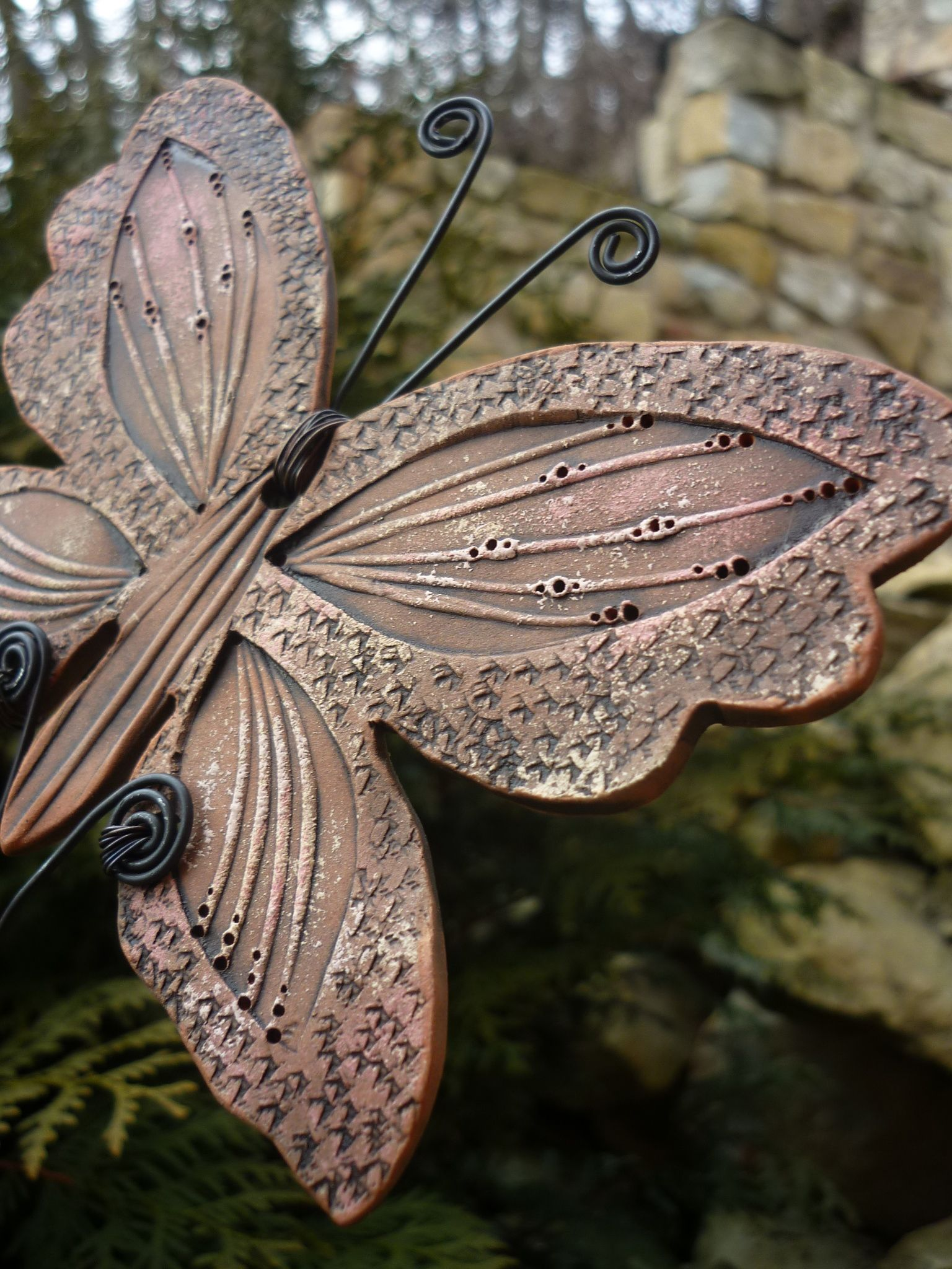 Motýl Keramická dekorace, keramický motýl, keramický zápich Motýl 9 x 13 cmvelký, celková délka zápichu je 38 cm