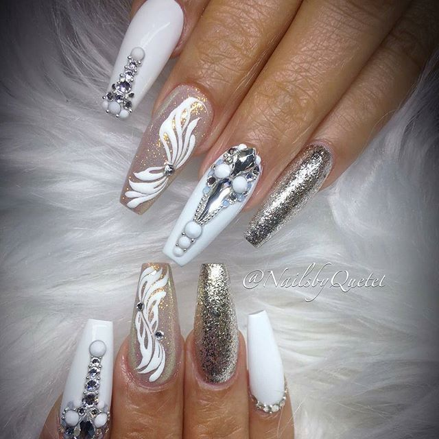 Coffin Shaped White Nail Set With Floral Design Diamond Crystal