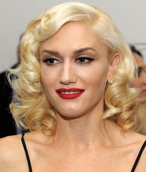 28 Gwen Stefani Hairstyles Gwen Stefani Hair Pictures Pretty Designs Gwen Stefani Hair Curly Hair Styles Short Curly Haircuts