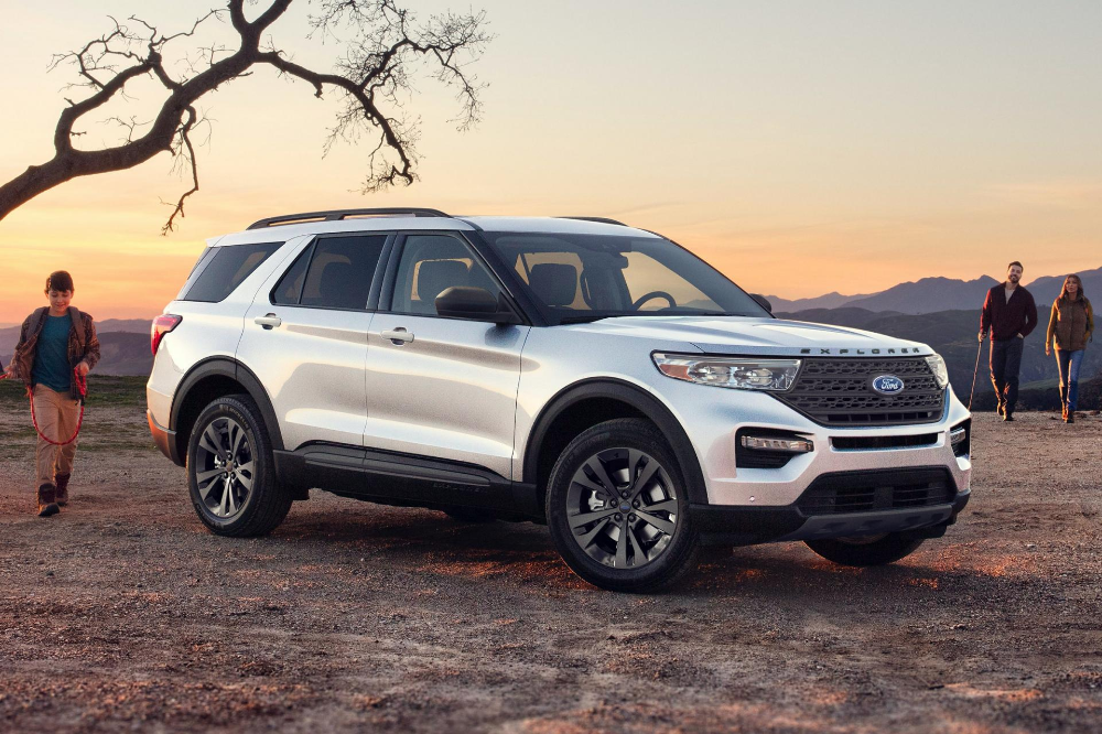 Ford Explorer Xlt Sport Appearance Package Returns For 2021 Explorer St Is A Hit Carscoops In 2020 Ford Explorer Ford Explorer Xlt Ford Expedition