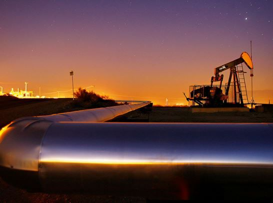 Crude Oil Fighting Hard To Rebound Us Data Follows Investix Gas Industry Fuel Companies Oil Company