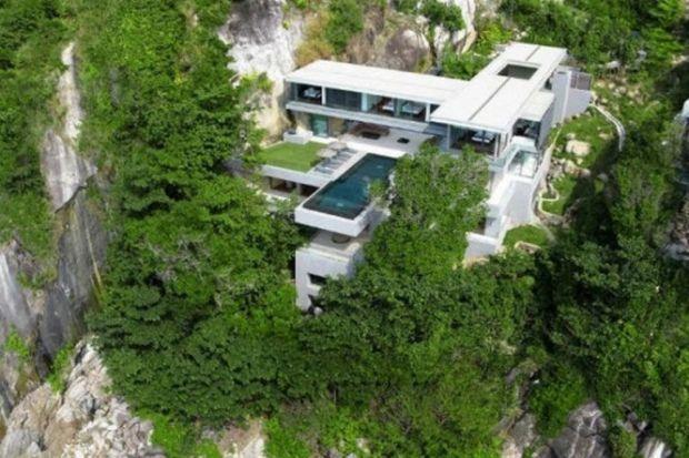 Spectacular Thai Villa With A Sea View - UltraLinx