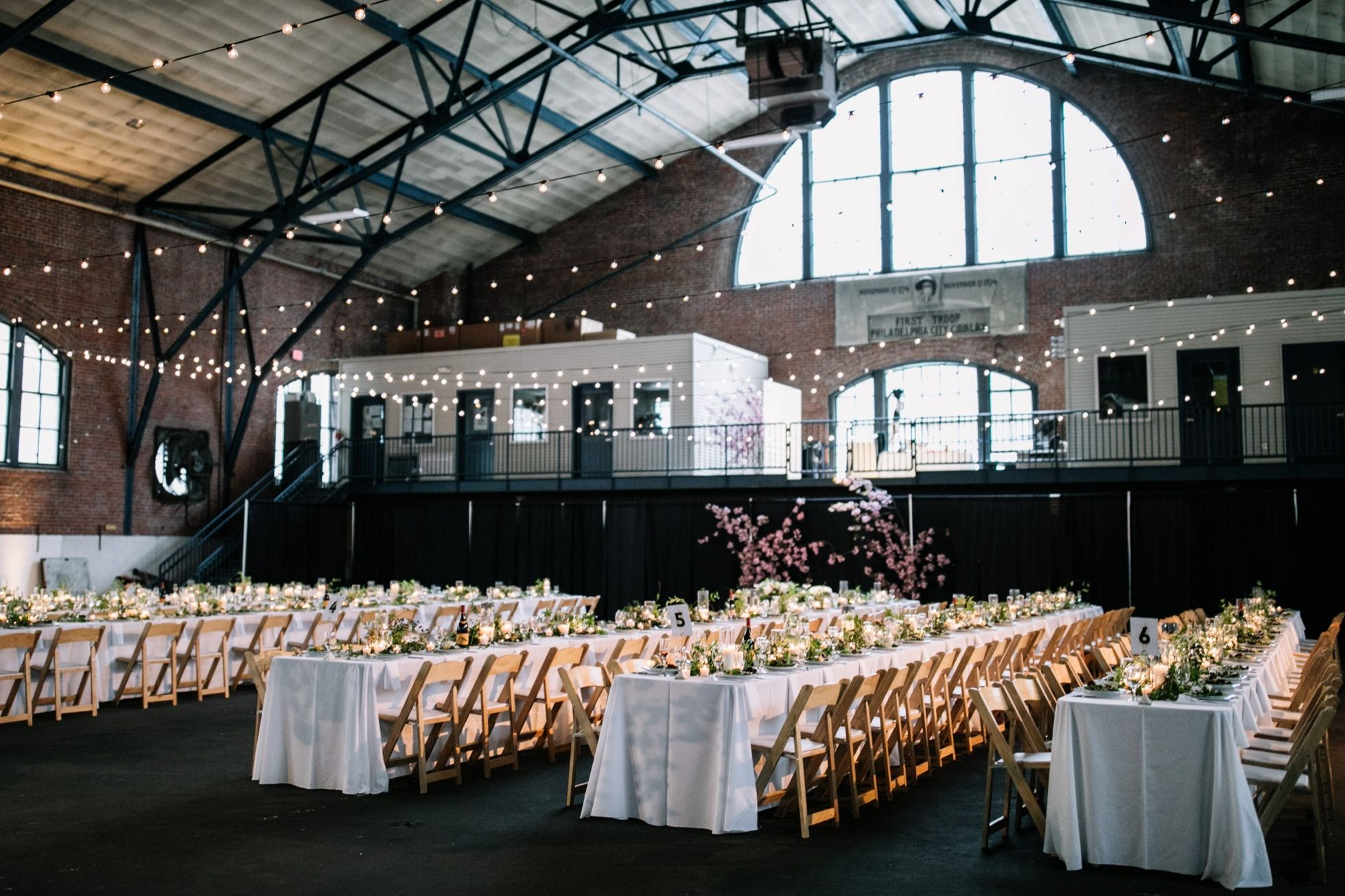 Best Unique Pa Ny Nj Wedding Venues 23rd St Armory Industrial Warehouse Indoor Modern Loc Philadelphia Wedding Venues Nj Wedding Venues Wedding Venues Indoor