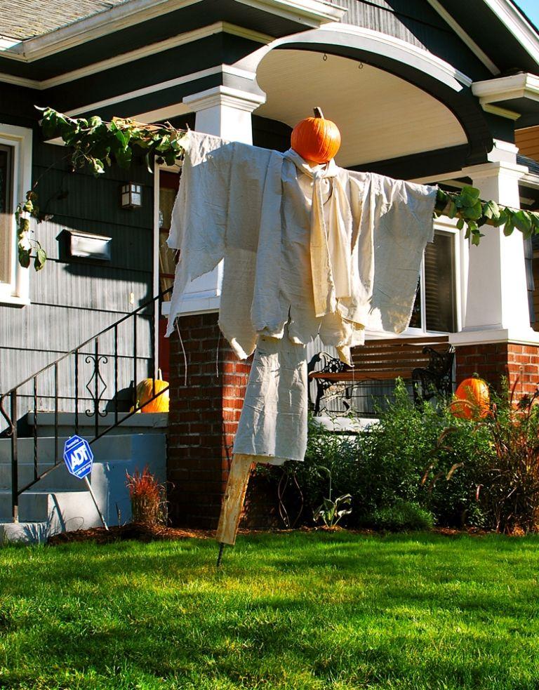 friendly outdoor halloween decorations - Friendly Halloween Decorations