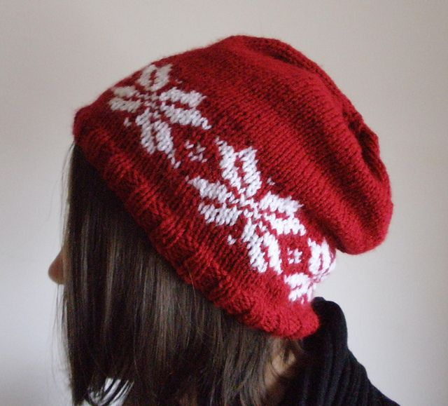 Snowflake slouchy beanie - free pattern | Crafts: Snowflakes ...