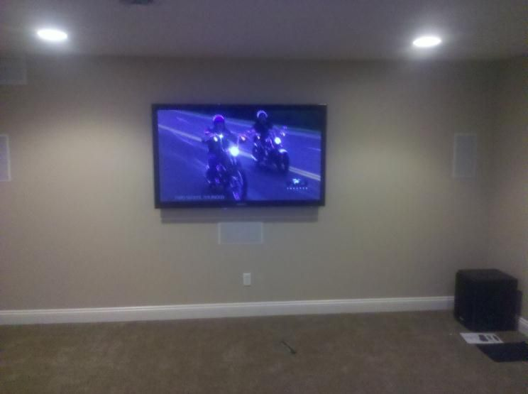 This Is An Average Home Theater Set Up With In Wall Speakers In Wall Speakers Theatre Set Home Theater