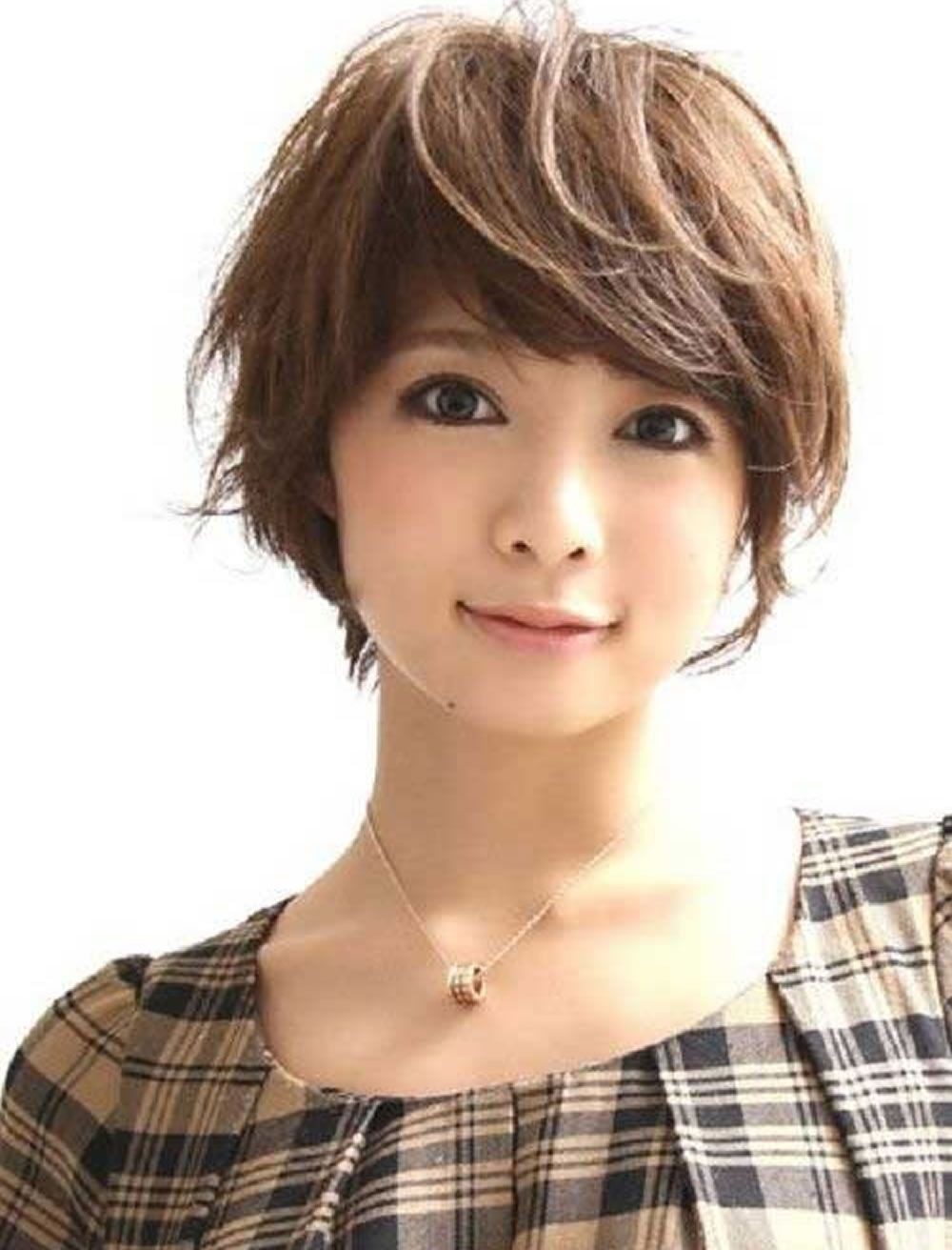 Glorious short hairstyles for Asian women for summer days ...