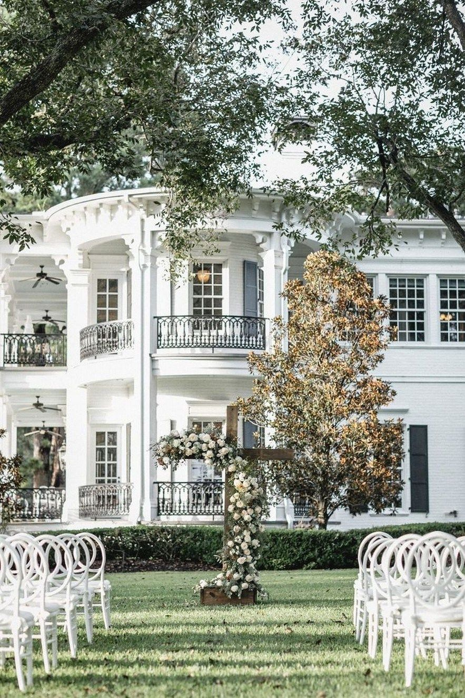 28 Inspiring Farmhouse House Design 19 House Designs Exterior Best Exterior Paint Farmhouse Exterior