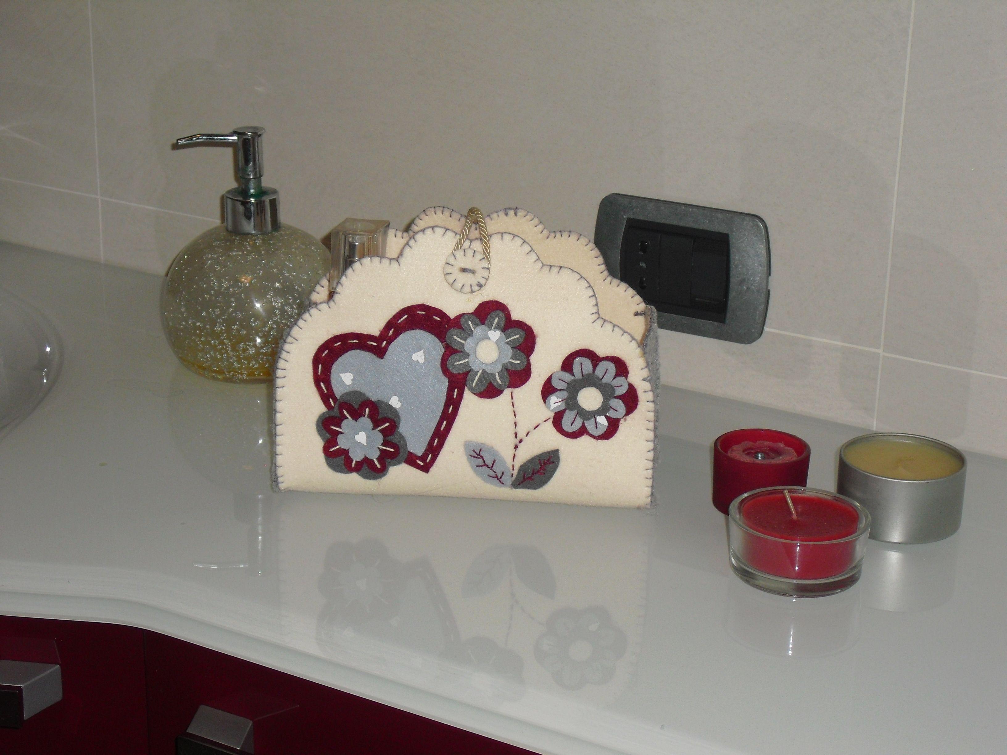 Cestino Bagno ~ Cestino a forma di un fiore in feltro sepetler