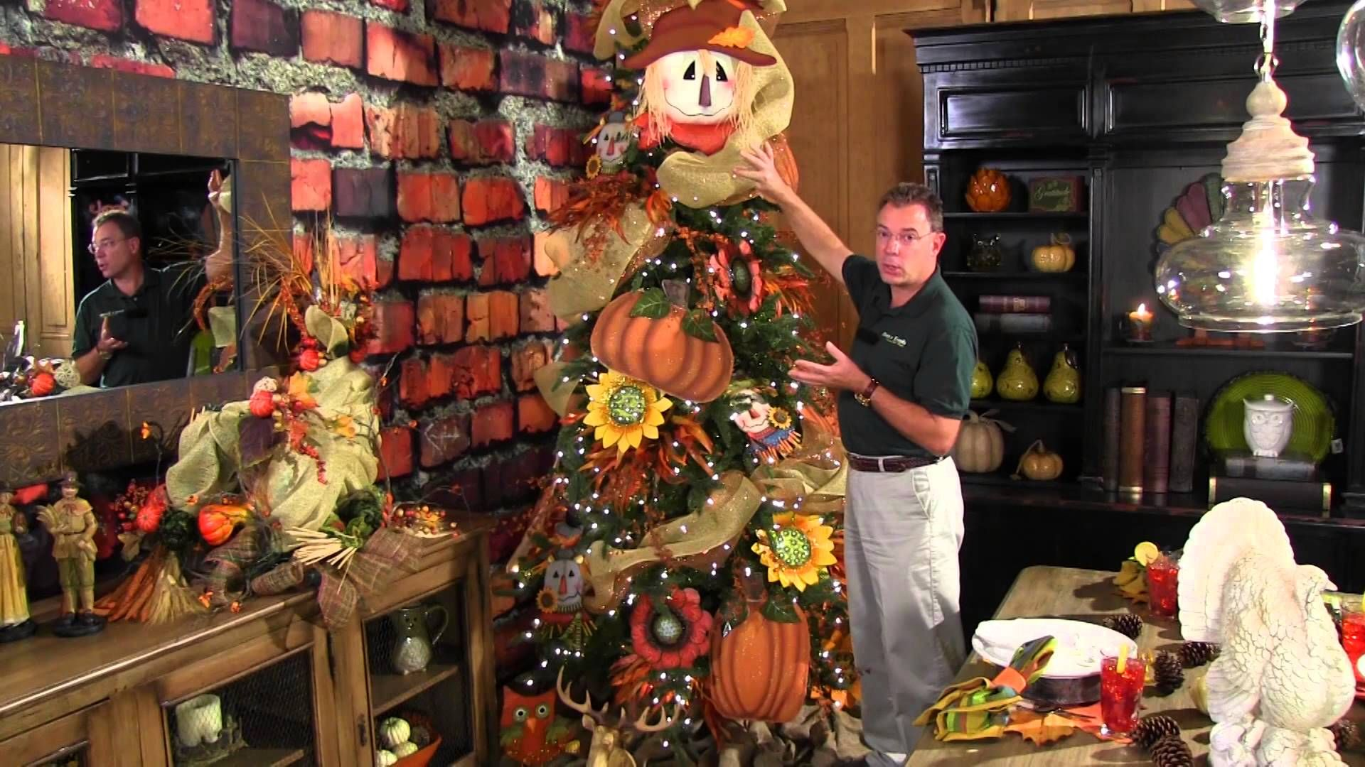 Kevin Shows You How To Decorate Your Thanksgiving Tree For