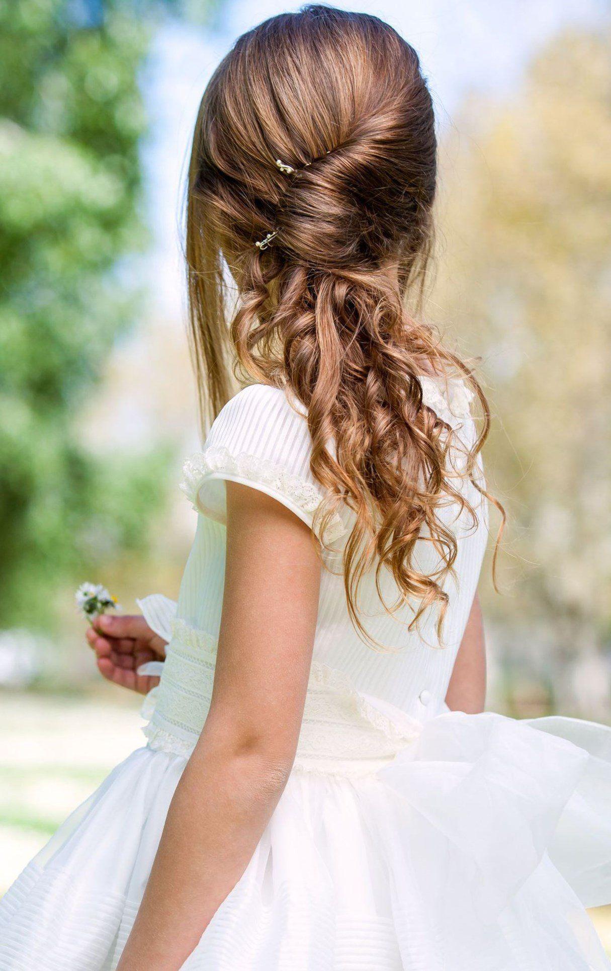 21+ Petite fille dhonneur coiffure le dernier