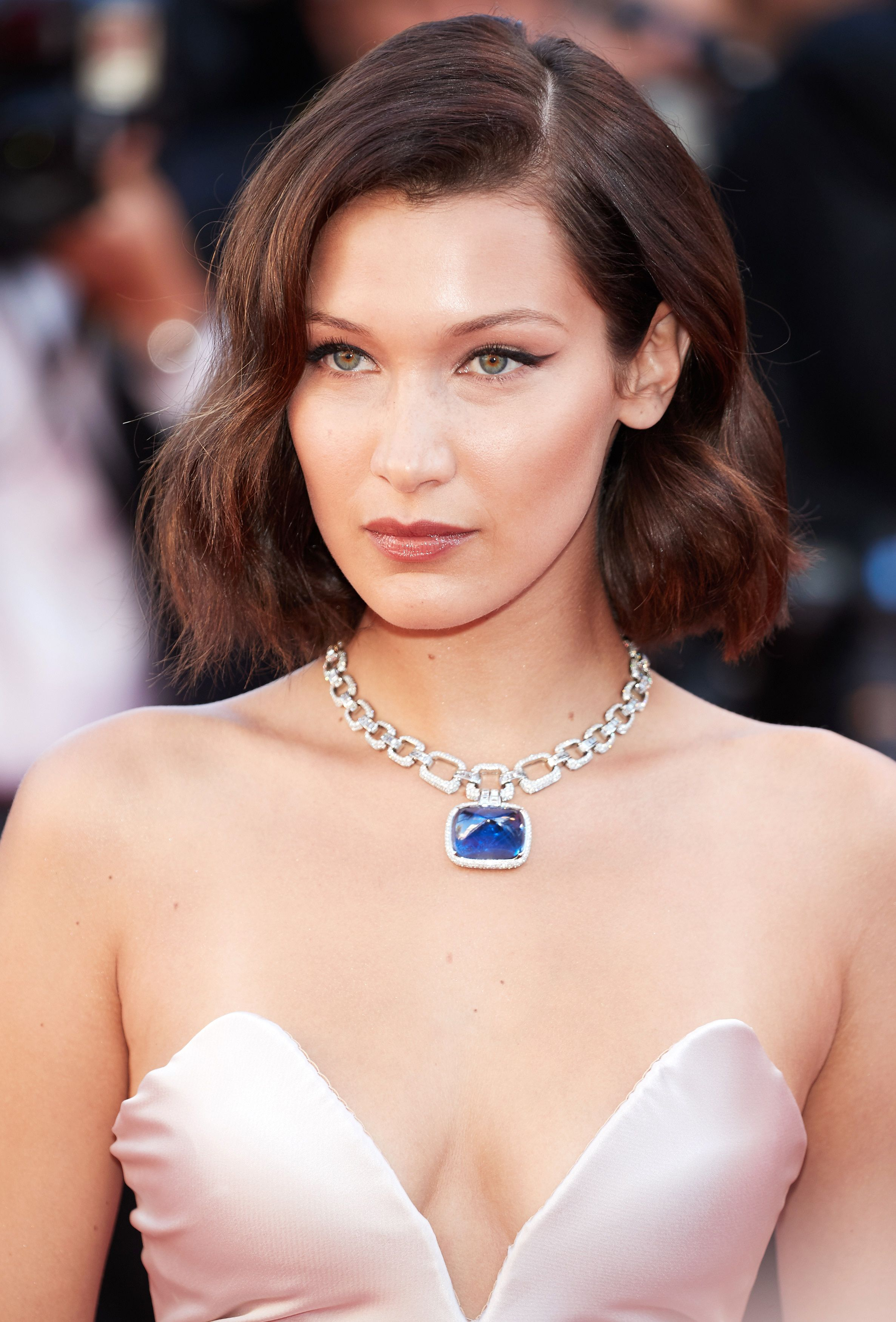 0ddb051079e70 Bella Hadid Got Bangs and It Transformed Her Lob | Hairy Situation ...