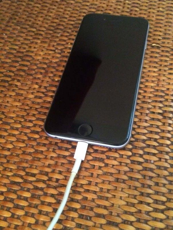 35e3117dc3c279 My iPhone Won't Charge! Here's The Real Reason Why.   Diy   Iphone ...