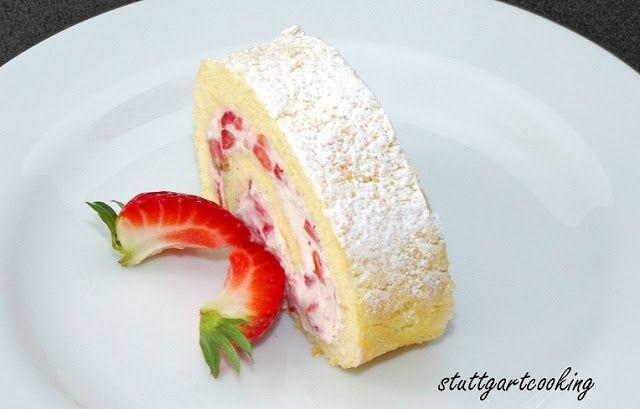Biskuit Roulade Mit Einer Erdbeer Fullung Desserts Pinterest