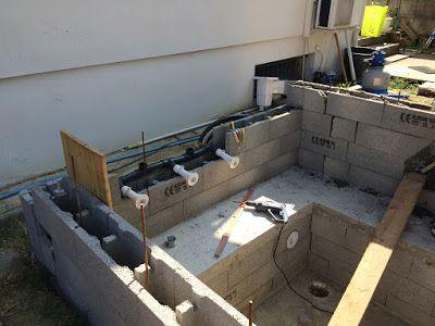 Construction d\u0027une petite piscine en béton équipée spa Scellement