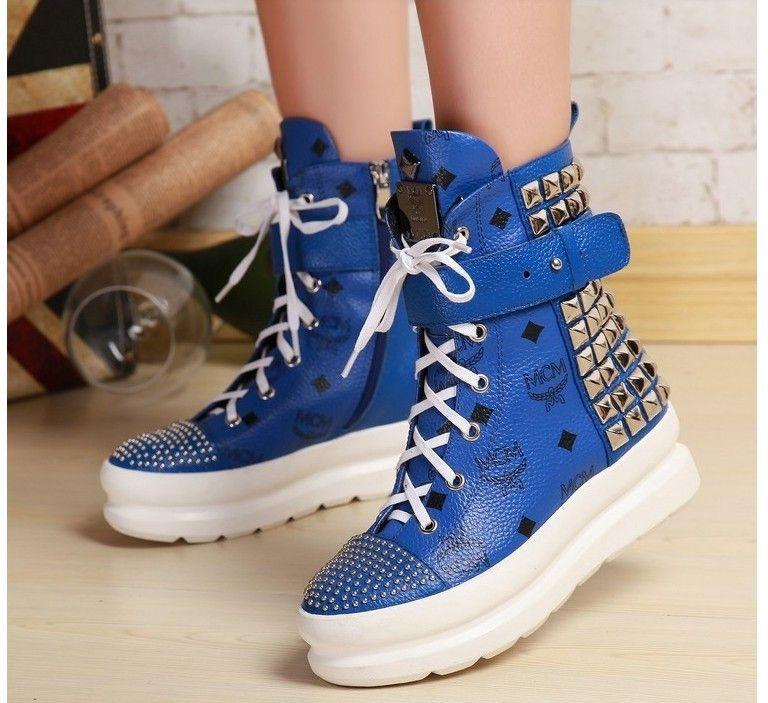 Girls shoes, Baseball shoes