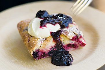 Berry and apple tray bake