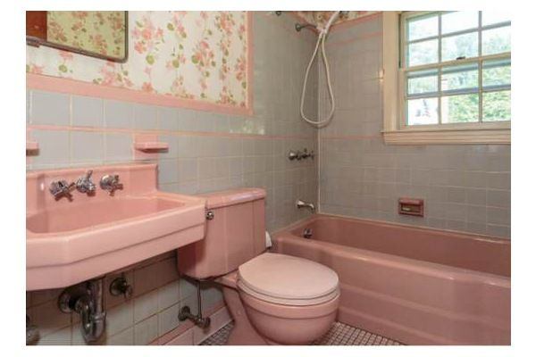 Eight Easy Updates For An Old Bathroom That Don T Require A Reno Pink Bathroom Tiles Old Bathrooms Vintage Bathrooms
