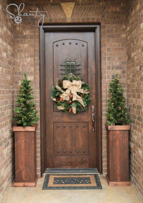 Foto di decorazioni natalizie per l ingresso di casa christmas decoration pinterest noel - Decorazioni per giardini ...