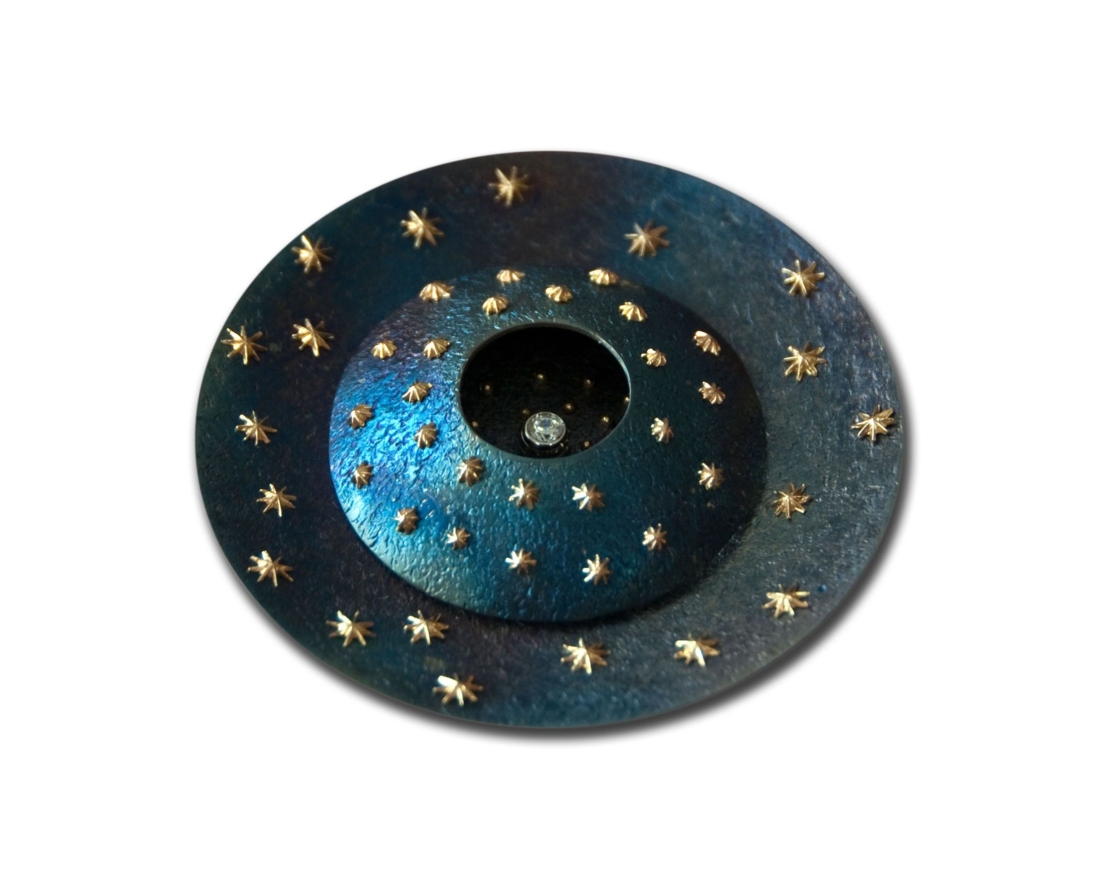 """Spilla """"Giotto"""": mia creazione (titanio, oro, zircone)"""