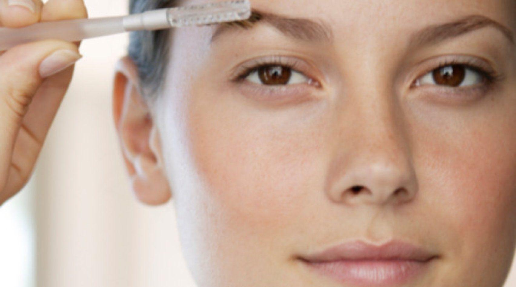 Augenbrauenpuder richtig anwenden