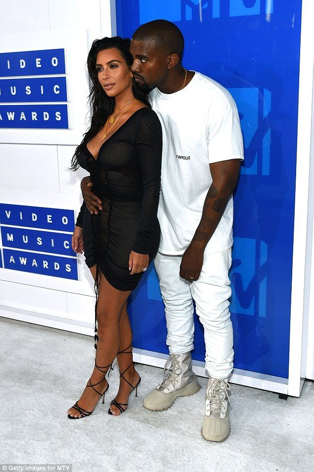 Kim Kardashian S Former Bodyguard Says Her Attack Was Karma Kim Kardashian And Kanye Kim Kardashian Kanye West