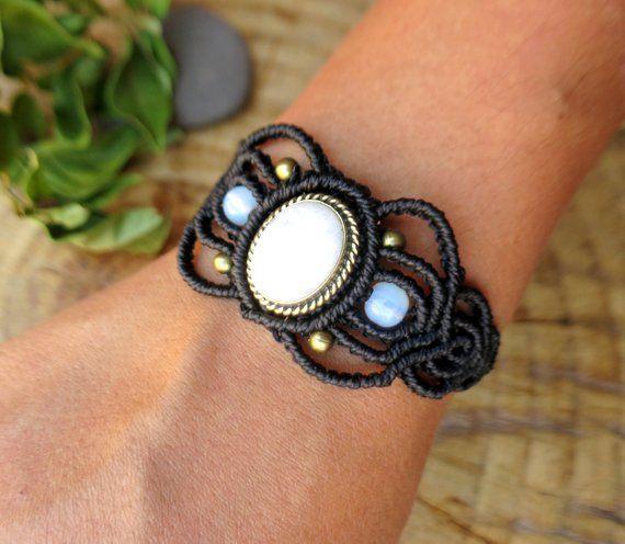 Bracelet pierre de lune, bracelet macramé, cadeau femme, féerique